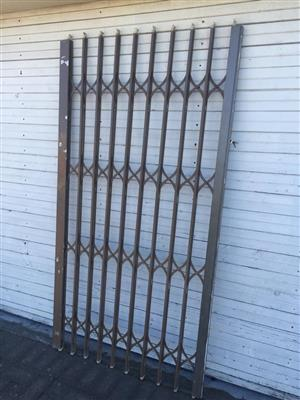 Security trellis-type gate - 104cm wide 197cm high - NO KEY - Gate Only