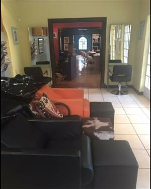 Two hairstylist wanted to rent space in Fourways