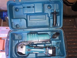 Makita cordless 115mm angle grinder