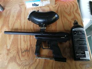 JT ER3 paintball gun saam met gasbottel