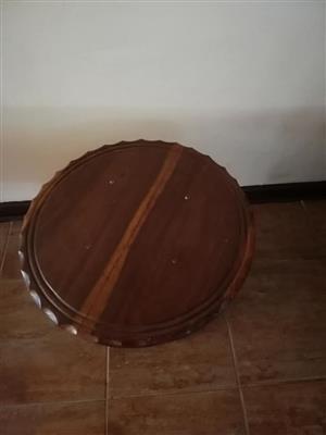 Ronde hout tafeltjie