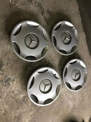 Mercedes-Benz W202 15inch hubcaps in very good condition
