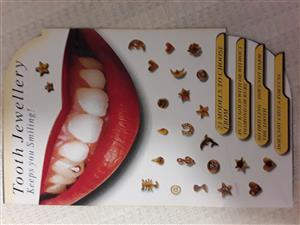 Real . 22 karat gold Tooth Jewelry