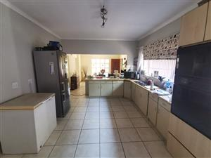 Large two bedroom house in Kilnerpark/Queenswood