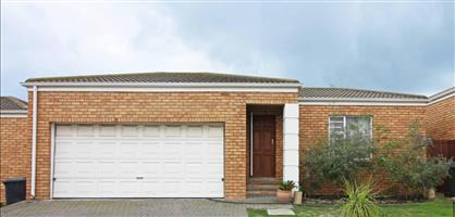 Security Complex 3 Bedroom Double Garage - Brackenfell South