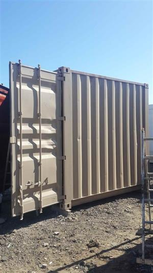 Shipping container in South Africa | Junk Mail