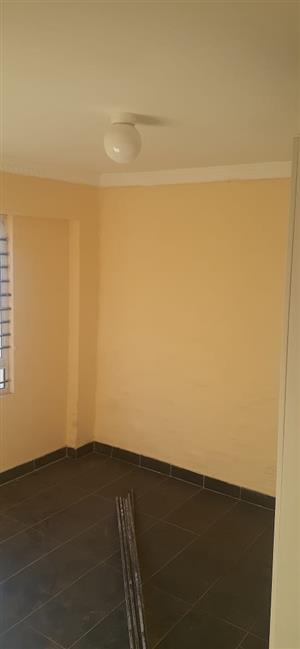 2 bedroom available in umbilo