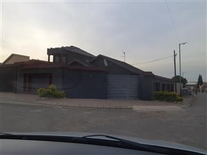 3 Bedroom House to Rent in Dobsonville Ext 2