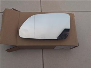 VW POLO 2005/09 BRAND NEW DOOR MIRROR GLASS SALE PRICE-R200 EACH( free fitment)