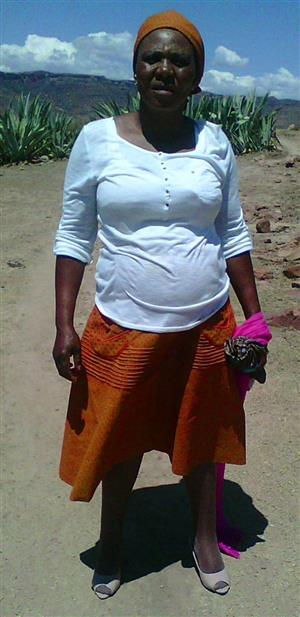 Active Lesotho maid/babysitter/housekeeper/care-giver with refs needs stay in work