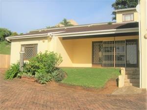 3 Bedroom Simplex for sale in Port Edward.