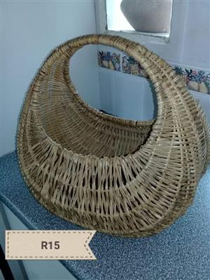 Round carry fruit basket for sale
