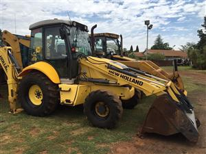 New Holland B90B - TLB - Backhie Loader with 3 in 1 Front Bucket - Good running / working condition