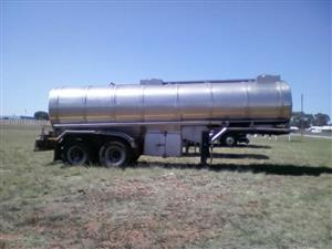 1989 Henred (16000L) d/axle Watertanker