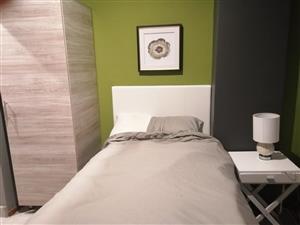 Rondebosch one bedroom apartment to rent from june