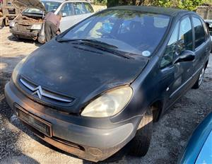 Citroen picasso 2002 2lt #10lh Stripping for spares
