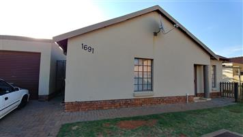 HOUSE FOR RENT IN CHANTELLE