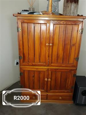 Wooden 4 door cabinet with 2 drawers