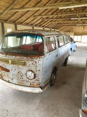 VW Patina-Rust Bus - 2.0L