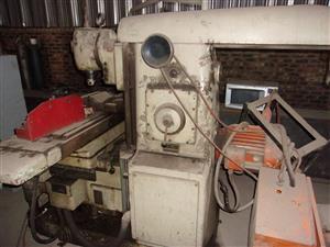 TOS FB25- V Milling Machine