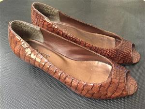 1 Pair of Ladies formal / court shoes in simulated patent croc leather finish - priced to clear