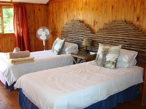 FULLY FURNISHED/SERVICED SELF CATERING ACCOMMODATION - LONG/SHORT TERM.  IDEALLY FOR NATURE LOVERS