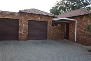 Spacious, Well kept Full Title Home in Bokmakierie Villas For Sale (Theresapark). Low Maintenance. Low Levies.
