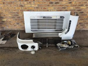Freightliner front grill and spare parts combo