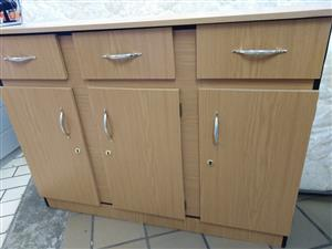 Kitchen unit with 3 doors with build in shelves 3 drawers