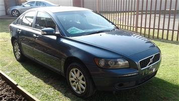 VOLVO S40 2.4i Auto 2007. Stripping for spares