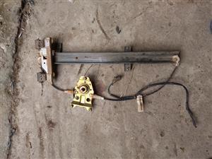 isuzu 1997 left rear manual window mechanism