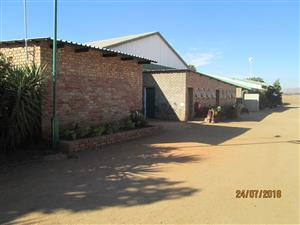 Bargain! Only R7500 for factory of 286m² in Klerksoord.