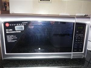 34L Boardmans microwave oven
