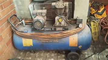 Compressor 200lt with long hose