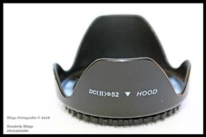 52mm - Petal Shaped Lens Hood