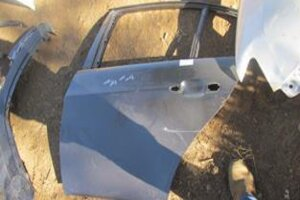 BMW E90 LEFT REAR DOOR SHELL – USED(CR)