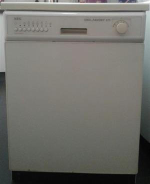 AEG dishwasher white