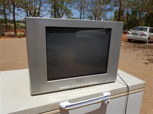 2x Kleur TVs te Koop