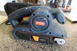 810W Ryobi EBS-810 B