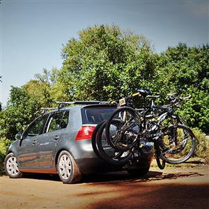 Holdfast 3 bicycle carrier complete , and , towbar mount