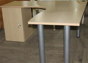 S034208A Brown office desk #Rosettenvillepawnshop