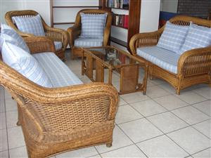 FURNISHED 3 BEDROOM 2 BATHROOM FLAT FROM R3600 PER WEEK UVONGO SHELLY BEACH ST MICHAELS-ON-SEA