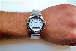 Vintage Watch: Laureno Quartz, Divers Stainless Steel Mens Watch