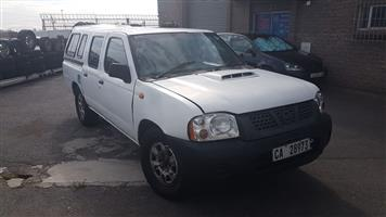 Nissan NP300 Double cab 2X4 YD 25 stripping for spares