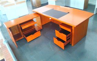 Straight desk with side table 2 tone