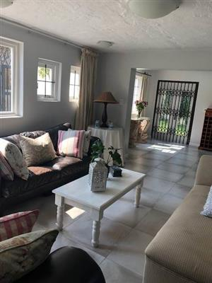 Bryanston - Fully furnished 1 bedroom 1 bathroom cottage available R11500