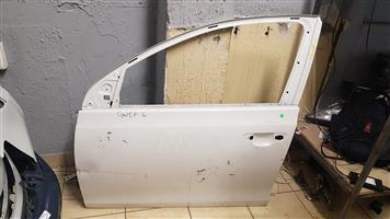 GOLF 6 FRONT LEFT DOOR FOR SALE
