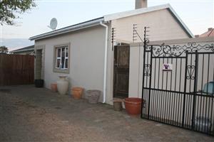 4 bedroom house in the trendy suburb of Grassy Park/Lotus River. Off Zeekoe Rd