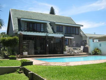 Lovely 3 Bedroom Home with Swimming Pool for sale in Port Edward.