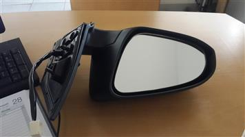 2016 Toyota Auris Mirror